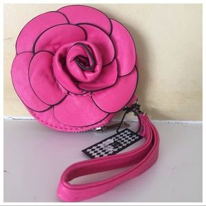 Pink Wristlet 🌺
